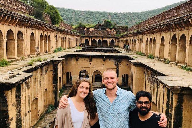 An Excursion into Time: Day Trip to Neemrana from Delhi Including Lunch
