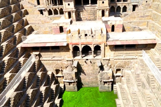 6 Days Golden Triangle with Abhaneri and Fatehpur Sikri Tour