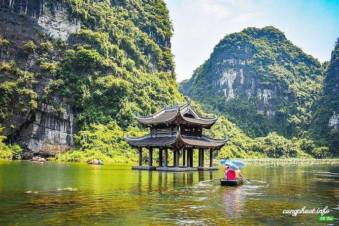 Luxury Hoa Lu - Trang An - Mua Cave with Limousine Transfer
