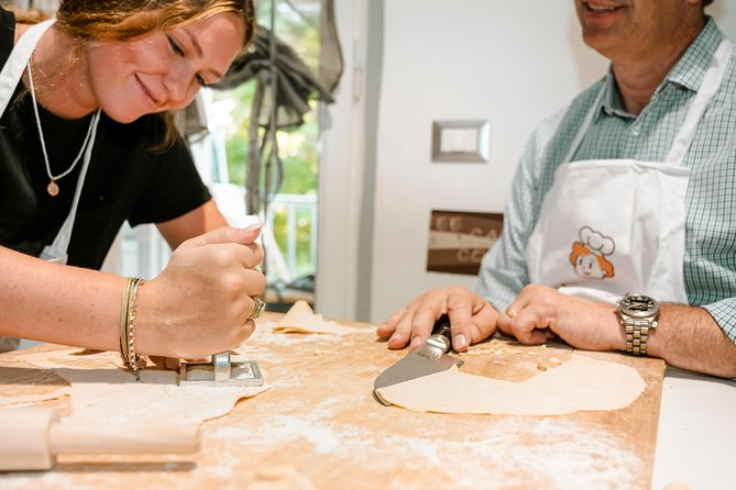 Share your Pasta Love: Small group Pasta and Tiramisu class in Milan