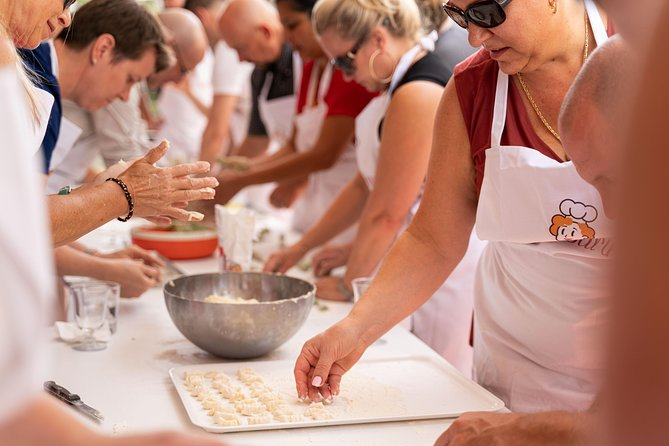 Share your Pasta Love: Small group Pasta and Tiramisu class in Venice