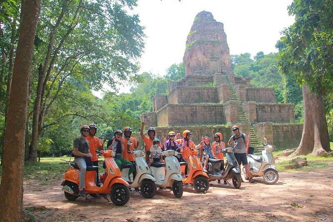 Beyond the The lost Temple Tour by Vespa