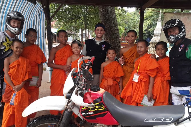 Full-Day Motorbike Tour around Phnom Penh, Cambodia
