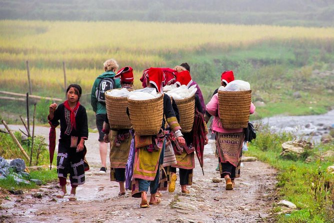Bac Ha Sunday Market Private Tour Full Day photo 13