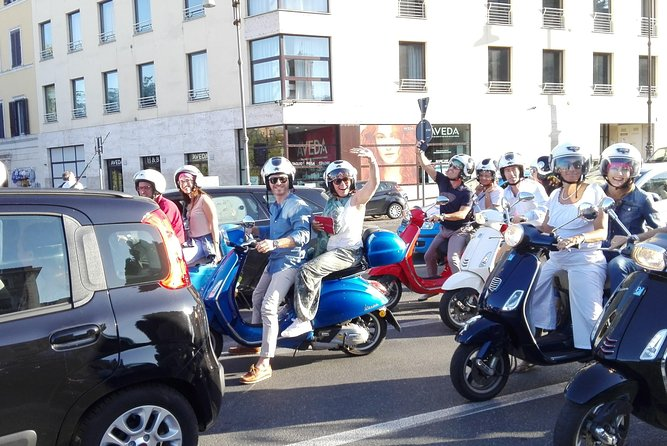 Tour of Rome with the iconic Vespa - PROFICIENT DRIVING SKILLS REQUIRED