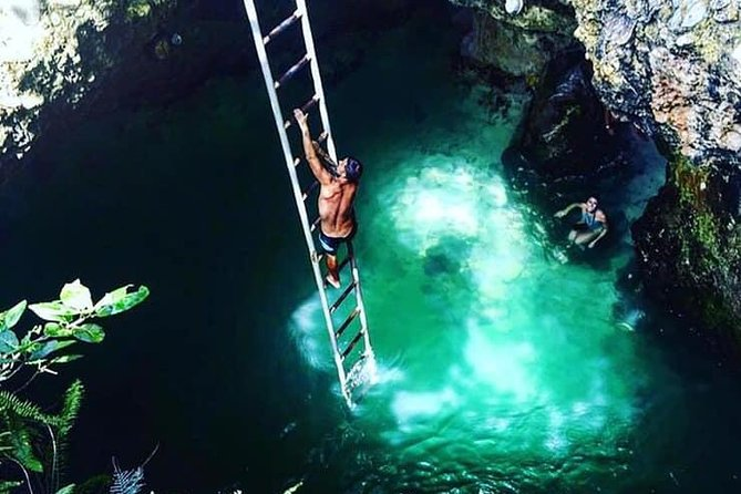 Blue Hole Mineral Spring and Ricks Cafe Tour