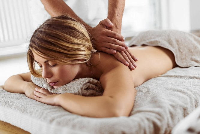Aroma Massage - Enjoy a complete Spa experience from the comfort of your room