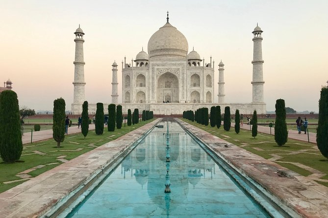 2-Day Private Tour of Agra incl Taj Mahal, Fatehpur Sikri & Agra Fort from Delhi