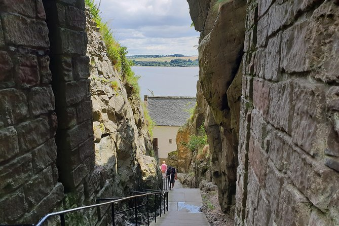 Loch Lomond, Dumbarton and Stirling Castle, Private Day Tour from Edinburgh