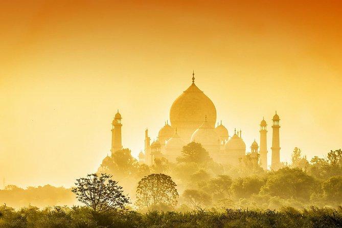 Taj Mahal & Agra Fort Sunrise Tour from Delhi by Car