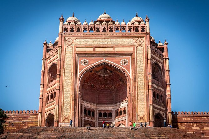 Full Day Agra Tour by Car with Fatehpur-Sikri