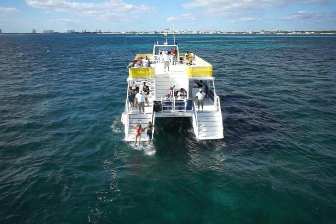 Sailing and Discover Isla Mujeres Unlimited From Riviera Maya