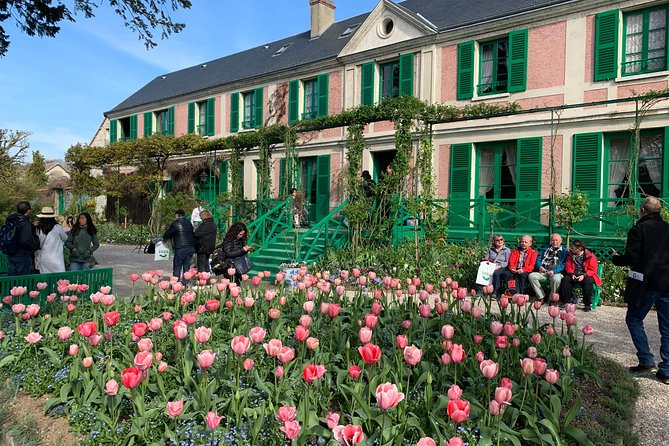 Versailles Palace & Giverny Private Guided Tour From Paris - Skip The Line