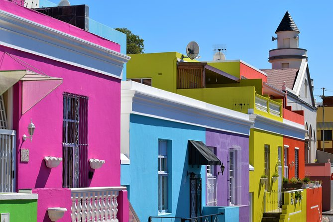 Discover the history and culture of Bo-Kaap and District 6
