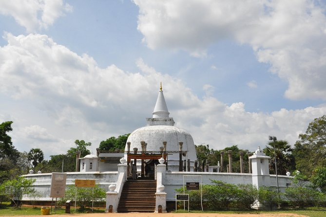 Cycling in Anuradhapura Scared City (Private 4-Hour Tour) photo 4