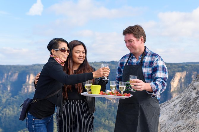 Blue Mountains Gourmet Food, Guided Walking, Sightseeing Adventure From Sydney