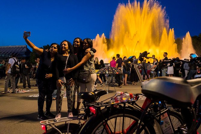 Barcelona E-bike Tour By Night & Magic Fountain Show