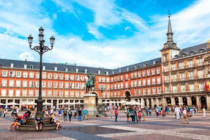 Madrid: Get to Know City through Statues Self-Guided Walking Tour in Mobile App