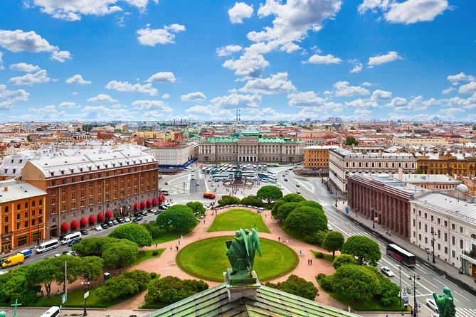 Small-Group 2-Day Visa-Free St Petersburg Highlights Tour