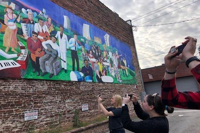 Mural/Instagram Photo Tour