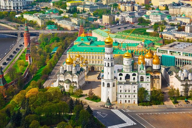 Private tour of Kremlin and Red Square (admission included, 3 hours)