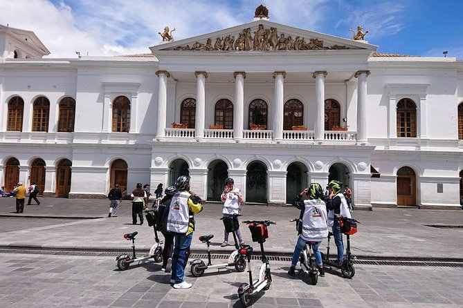 Electric Experience Tour Quito Colonial By Navel Expeditions