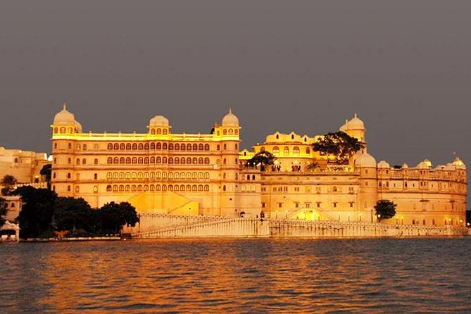 Private Tour : Golden Triangle With Udaipur