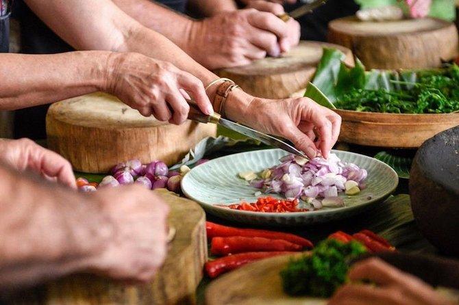 HD - Follow in My Food Steps by Bali Asli