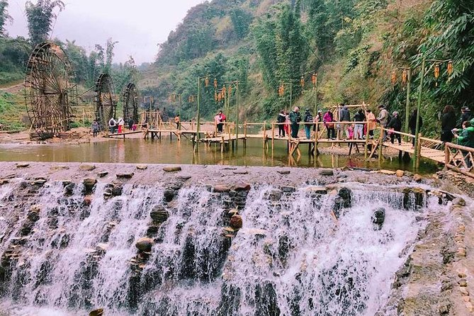 From Hanoi: 2-Day Spectacular Sapa Trekking and Bus Tour
