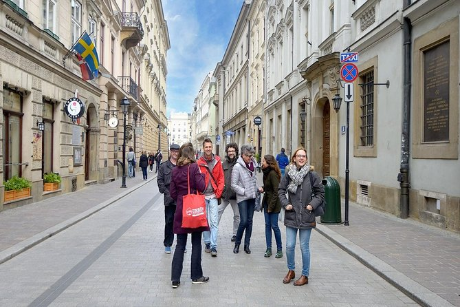 Highlights of Krakow: Crowd-Free Small Group Tour with Breakfast