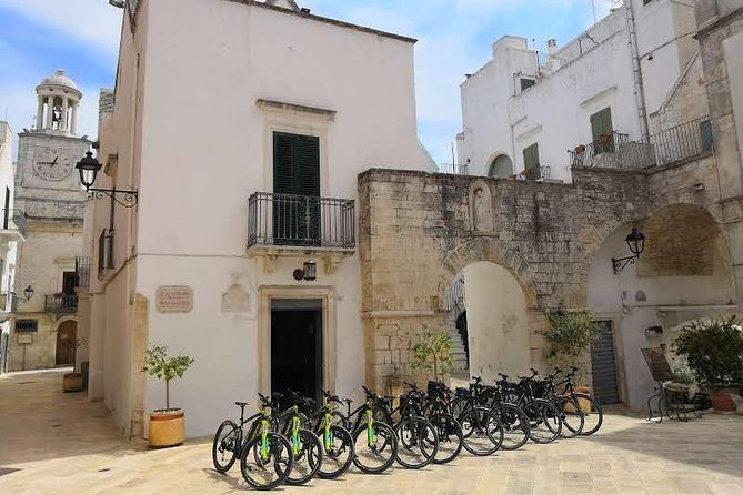 E-Bike tour on the Pugliese aqueduct cycle route with wine tasting