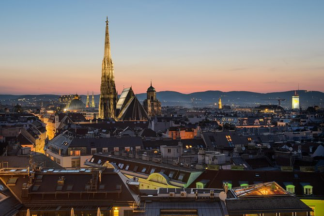Private Scenic Transfer from Salzburg to Vienna with 4h of Sightseeing