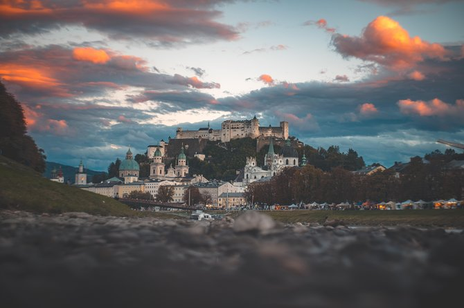 Private Scenic Transfer from Vienna to Salzburg with 4h of Sightseeing