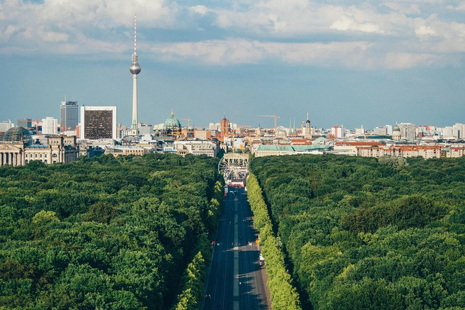 The Best of Berlin - Private Walking Tour - 4 hours with English-speaking guide