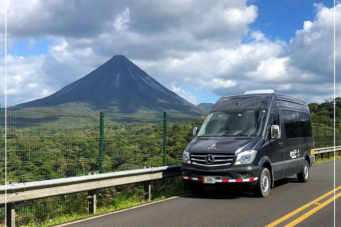 Private Transport from La Fortuna de Arenal to Liberia Int'l Airport