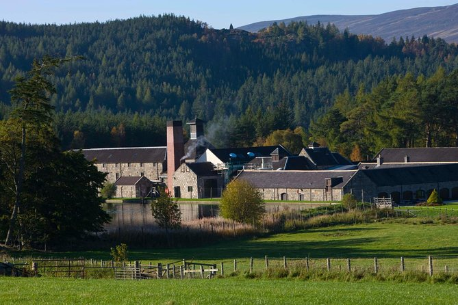 Aberdeen & Shire Castle & Distillery Private Group one Day Tour