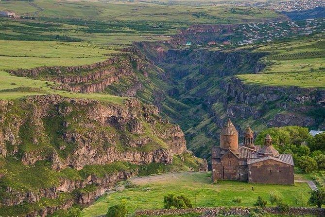 Tour to Saghmosavank