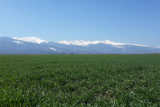 Land of Fagaras Premium Day Tour from Brasov: Romanian Traditions and Heritage