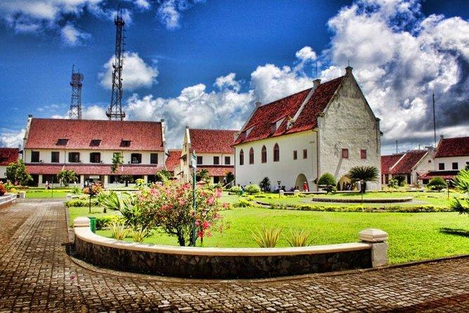 1 Day Makassar Natural Attraction Tour : Bantimurung Maros to Leang Leang