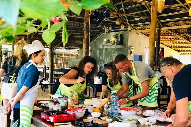 Group tour: Cooking Class in Thuan Tinh Island & Basket Boat Ride