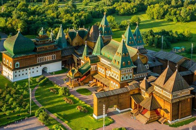 Architecture Private Tour of Moscow's Metro and Kolomenskoye Estate