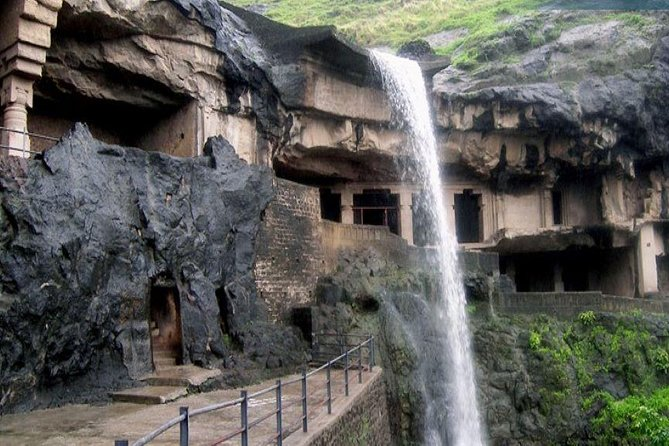 Aurangabad Private 3-Day Tour with the Ajanta and Ellora Caves