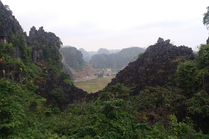 Full Day Deluxe Hoa Lu- Mua Cave Amazing View With Alot Of Fun Activities photo 12