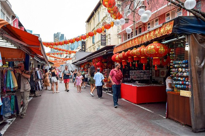 Singapore Chinatown Night out (Shared Transfer)