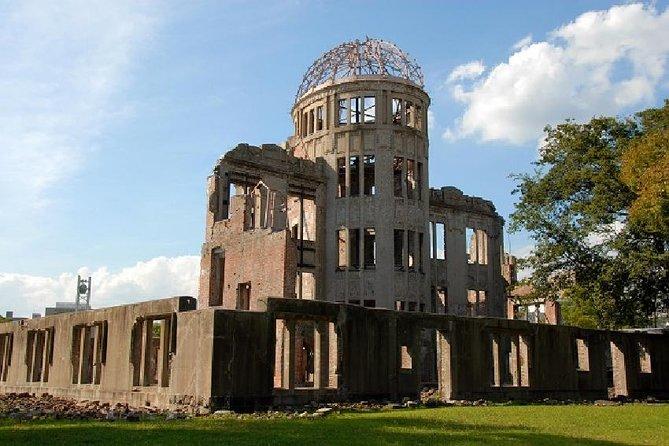 Parque Memorial da Paz de Hiroshima e Ilha Miyajima, santuário de Itsukushima saindo de Osaka