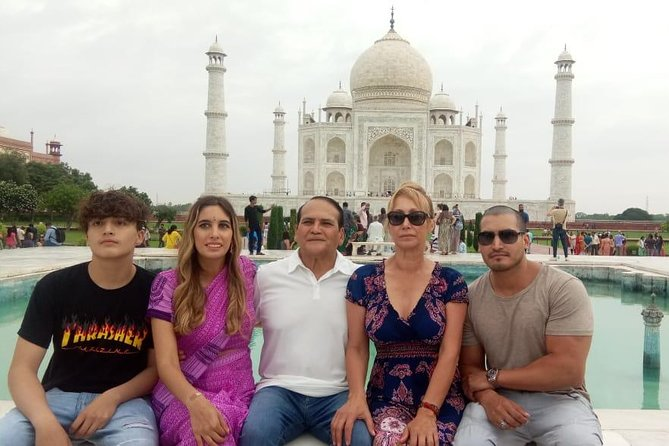 All Inclusive - Taj Mahal and Agra Fort Tour by Superfast Train From Delhi