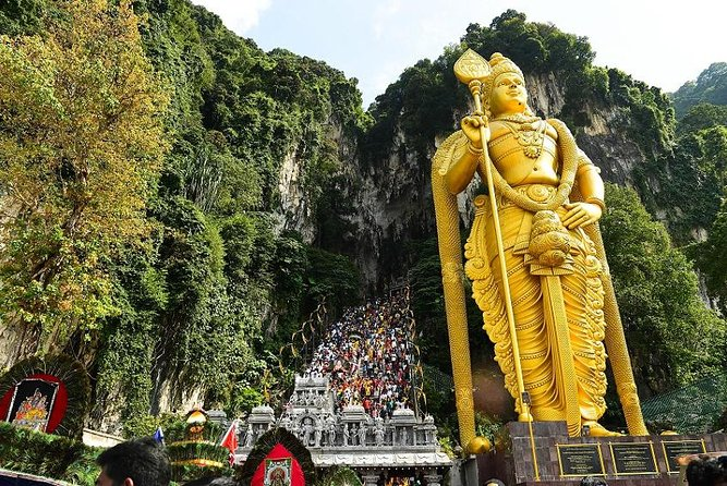 Private Fullday tour to Batu Caves, Hot Spring, Fireflies and Seafood Dinner