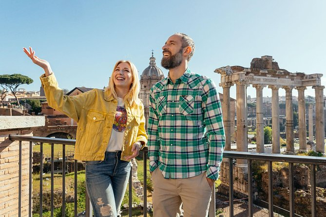 Private guided tour of the Coliseum & Roman Forum, without queuing