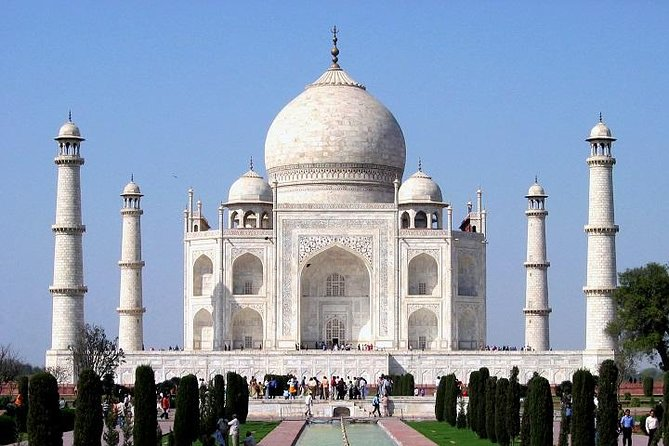 Private Day Tour of Taj Mahal, Agra with Fatehpur Sikri from Delhi