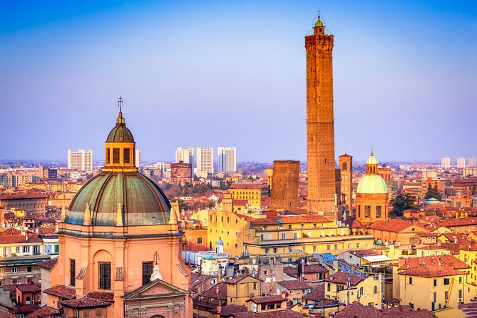 From Abano and Montegrotto: Day trip to Bologna